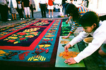 Alformobras, Colorful carpets to greet the procession